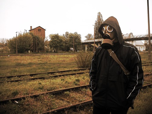stalker hood gasmask zona railwaytracks pkp elpueblo płońsk