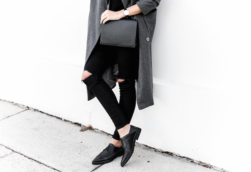 modern legacy fashion blog Australia street style off duty ASOS long grey oversized coat Lee ripped knee black skinny jeans Helmut Lang oxfords Alexander Wang Prisma bag (6 of 13)