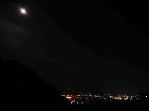 名月と夜景