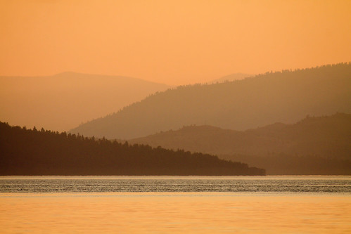 sunset sun montana sunsets golds flatheadlake goldentones glaciallakes flatheadlakemontana sunsettones