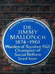 Photo of Jimmy Mallon blue plaque