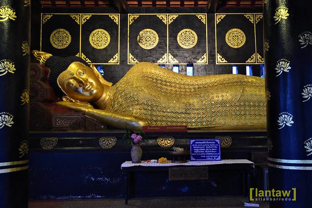 Wat Phan Tao Reclining Buddha