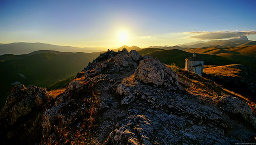 sunset italy mountains italia view minolta sony alpha slt abruzzo minoltamount roccacalascio a99 sonyalpha minoltaaf alphamount marioalpha marioottaviani potd:country=it