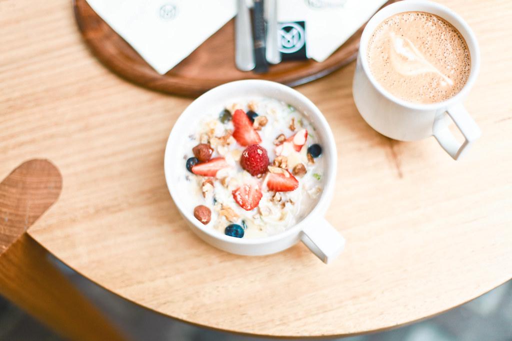 Monocle cafe-1.jpg