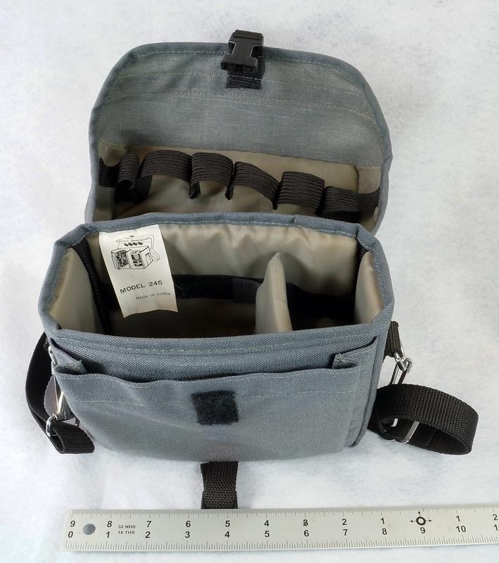 RD15023 Ricoh KR-5 SUPER 35mm SLR Film Camera XR Rikenon 50mm Lens, Sunpak Flash, Mustang Case DSC07471