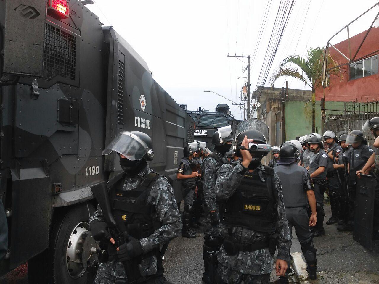 Barracos começam a ser demolidos após reintegração de posse — SP