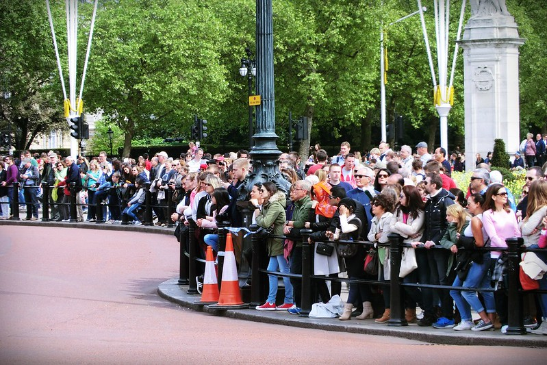 Crowds infront of the Palace
