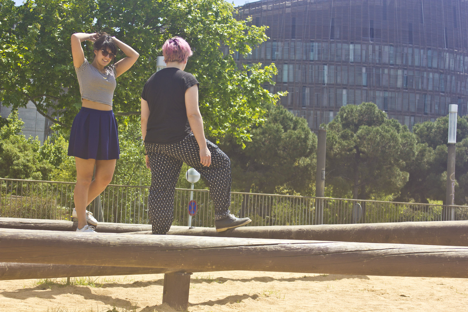 girls on balancing beam in barcelona