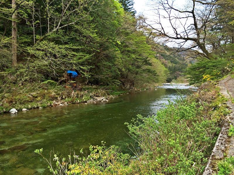 部屋のすぐ傍にある渓流