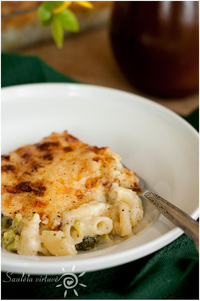 Kepti makaronai su sūriu ir brokoliais (6)