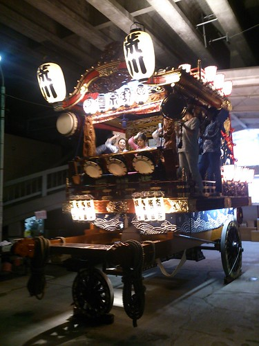 八坂神社に心地よく響くお囃子は荒川区のお囃子でした