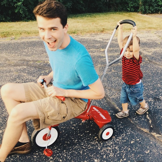 It was Luther's idea to take turns. #instaluther #toddler #children #fatherhood #papa