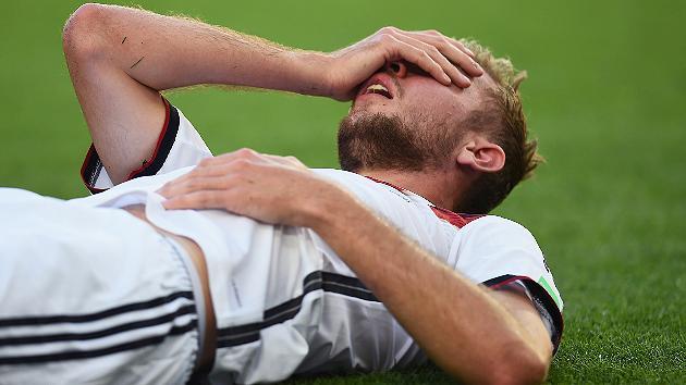 140713_GER_v_ARG_1_0_Christoph_Kramer_injury