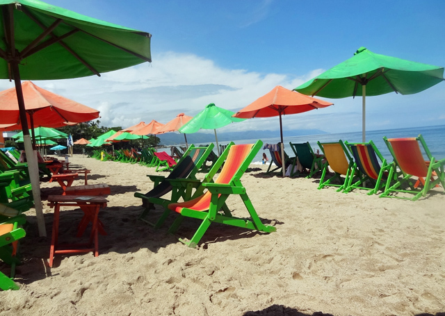 green-chairs-beach
