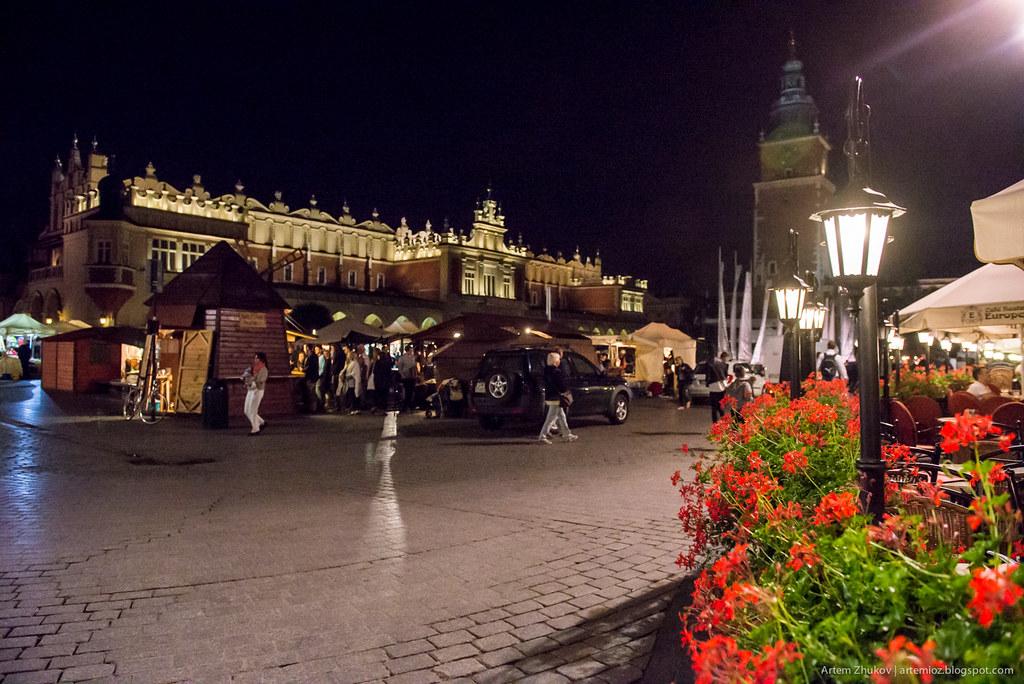 Krakow at night-5.jpg