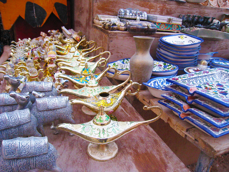 An image of Alladin lamps and other souvenirs at Petra
