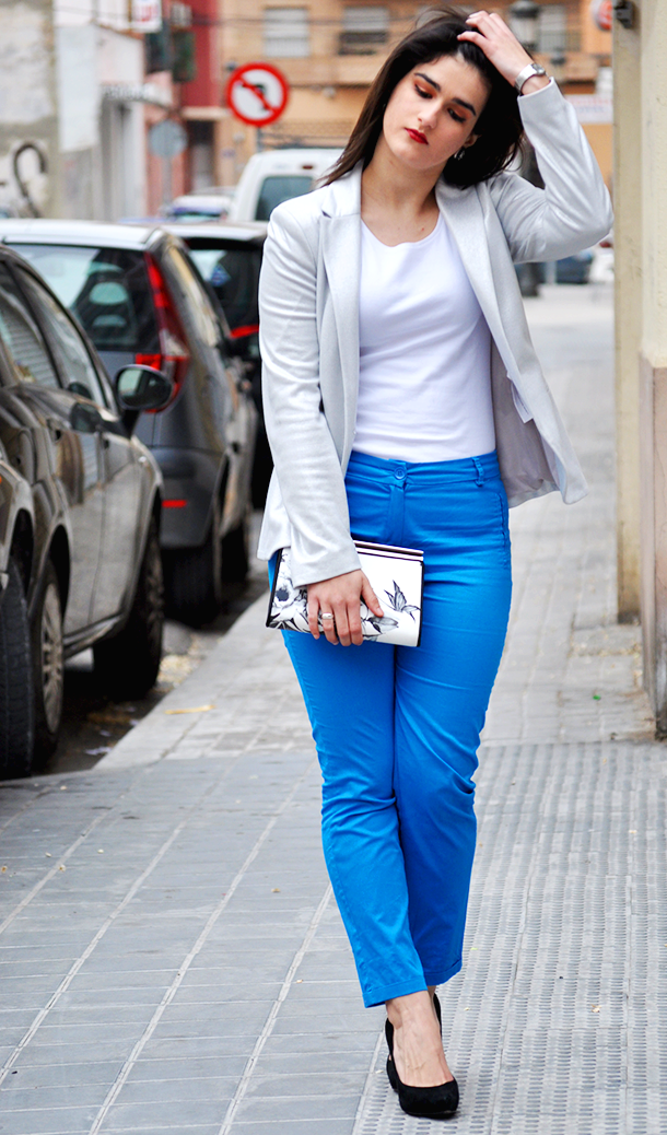 something fashion blogger valencia spain, get the look how to serena van der woodsen blue pants blake lively, gloria ortiz shoes inspired outfit gossip girl, karen millen clutch