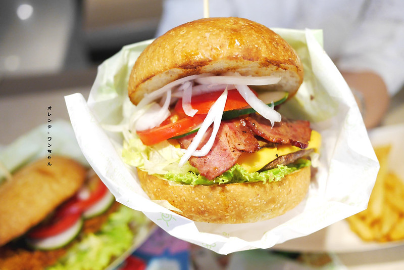 14918623260 799970e728 c - 樂檸漢堡 │北區:大份量紮實牛肉漢堡加新鮮生菜的飽足風味~稱不上驚豔但質感精緻好實在!
