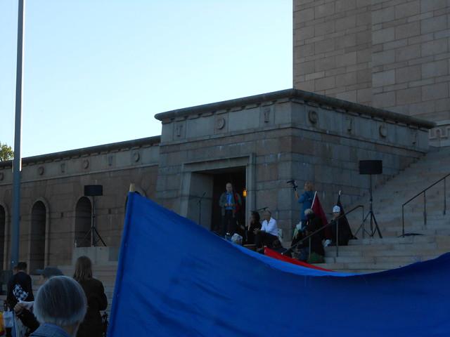 Mielenosoitus eduskuntatalolla 4.9.2014 - D