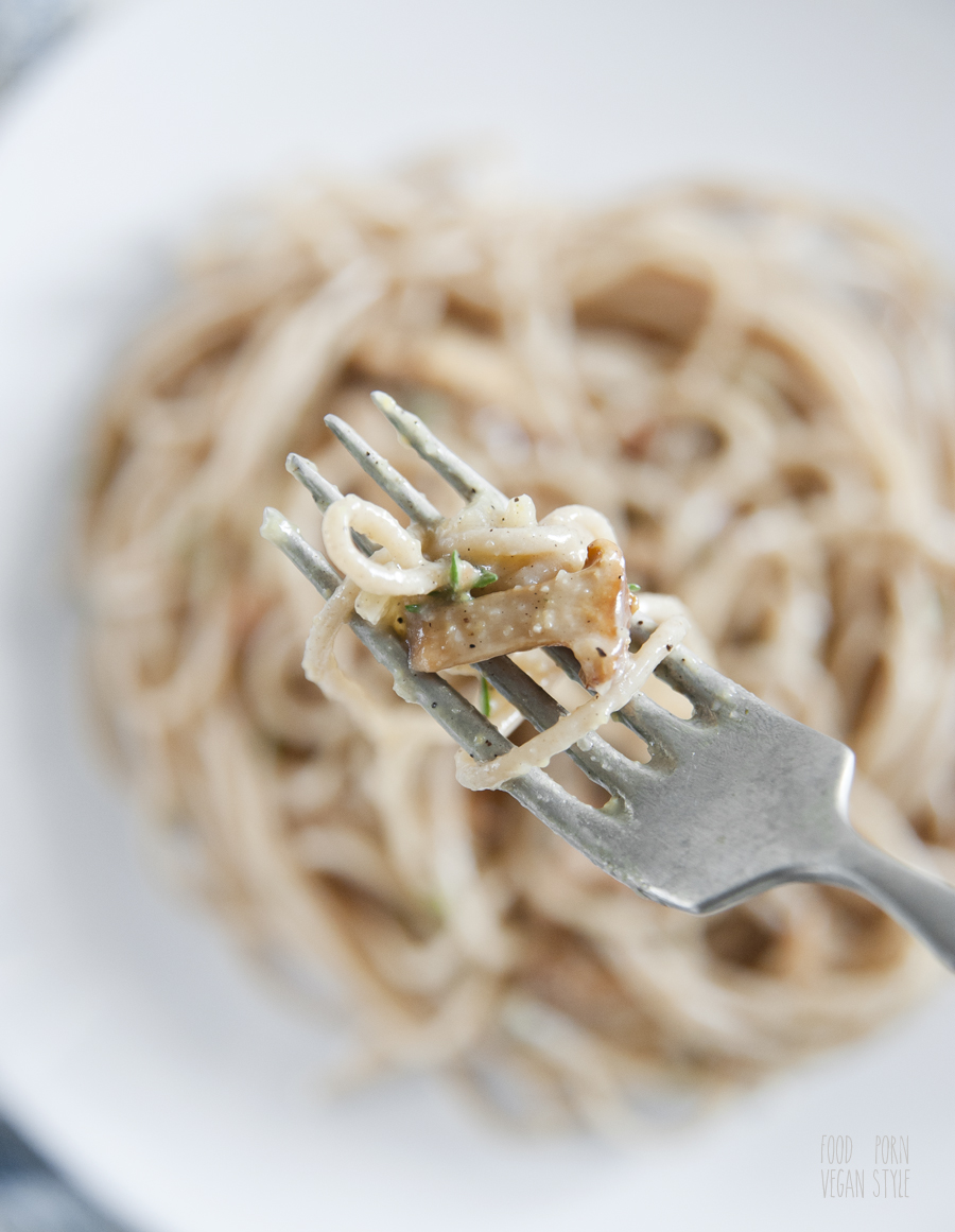 Spaghetti pasta with chanterelles