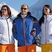 Marc Girardelli si život užívá i s padesátkou na krku. Na snímku pózuje s modelkami v rámci propagace vlastní značky lyžařského oblečení. , foto: www.marc-girardelli.com