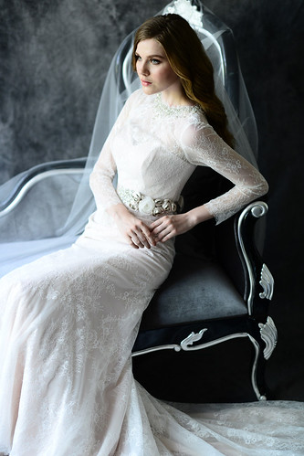 Classic vintage style bridal gowns for big day