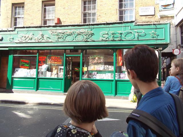 LONDON 0969