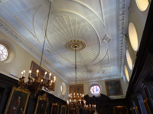 06l - Main ceiling at Apothecaries Hall