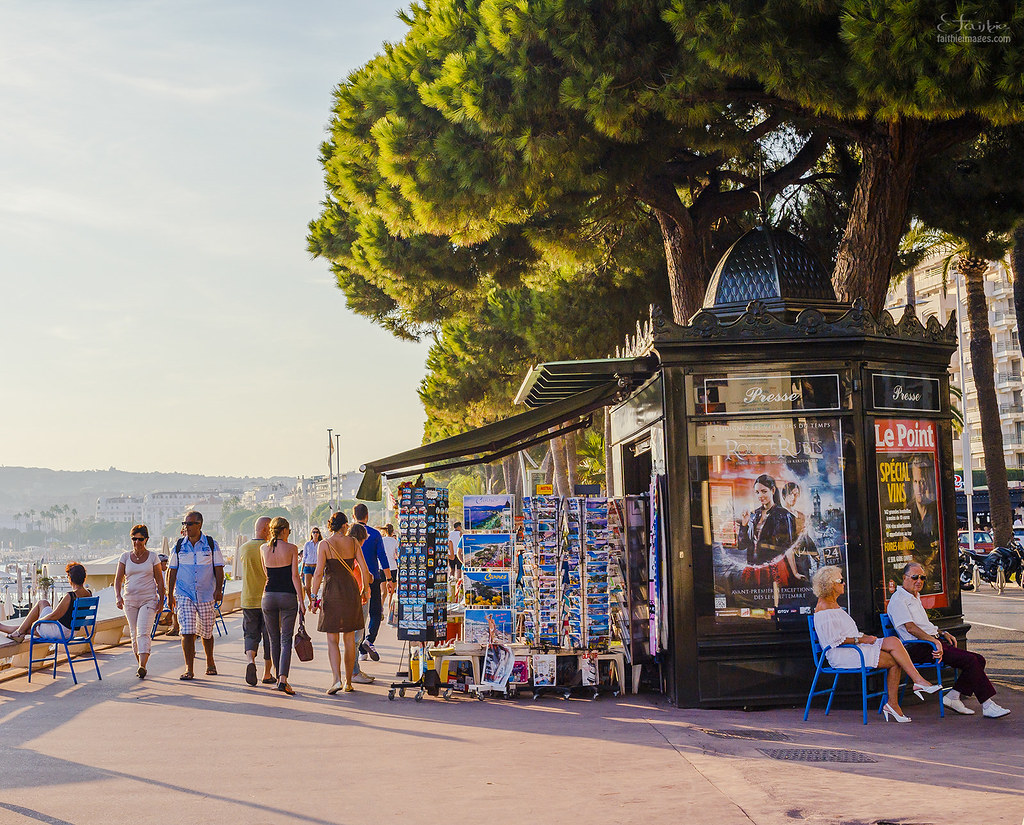 Art Deco newspaper kiosk in Cannes