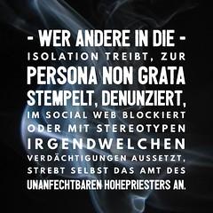 """Über """"heldenhafte"""" Hohepriester für Recht und Ordnung #youtubeheroes https://ichsagmal.com/2016/09/26/schleimpunkte-fuers-denunzieren-bringt-youtube-700-000-dislikes-youtubeheroes/"""