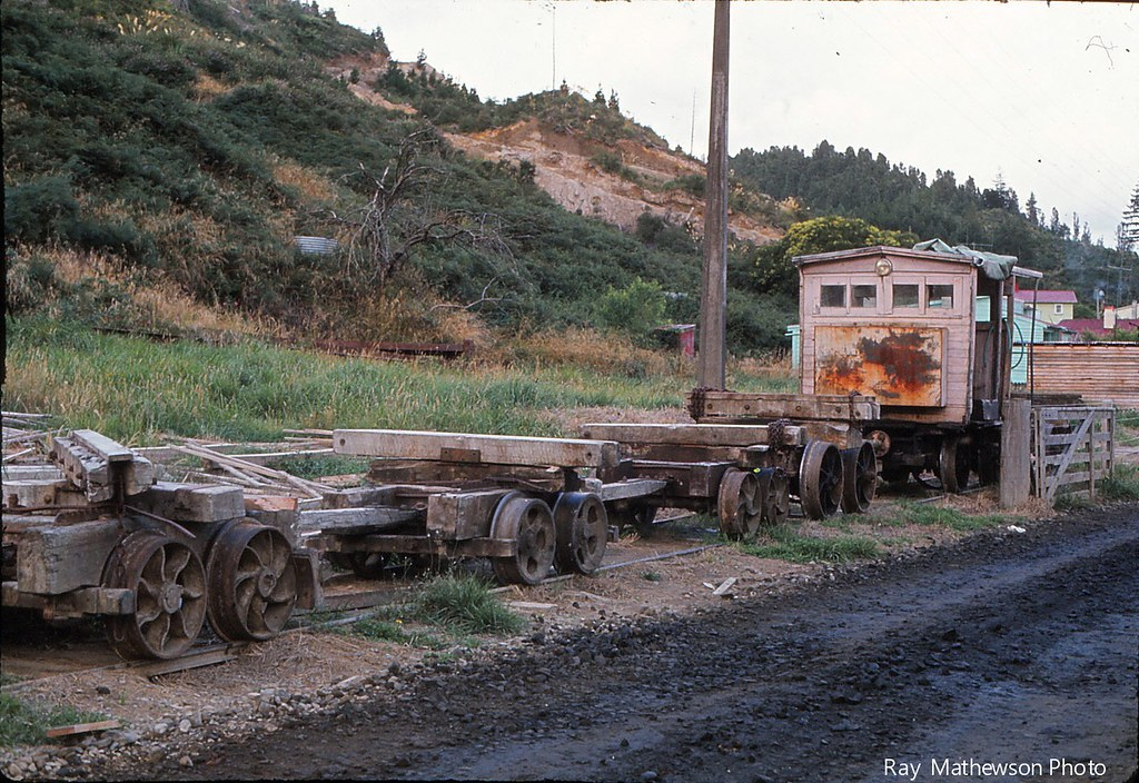 Another view of log bogies Feb 1971 Te Whetu