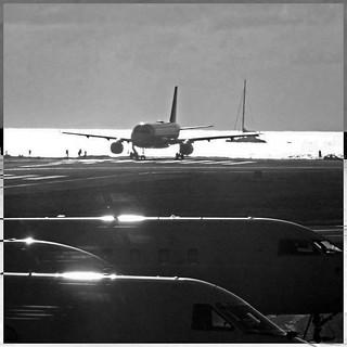 Sint Maarten Airport - Caribbean Sea