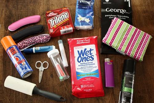 wedding-day-emergency-kit