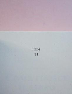 Come finisce il libro, di Alessandro Gazoia (Jumpinschark). minimum fax 2014. Progetto grafico di Riccardo Falcinelli. Pag. dell'occhiello / carta di guardia (part.), 2