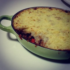 Love it when I find another delicious vegetarian recipe to do in the Le Creuset, stove to oven: Lentil Shepherd's Pie #yummyfood #Icancook