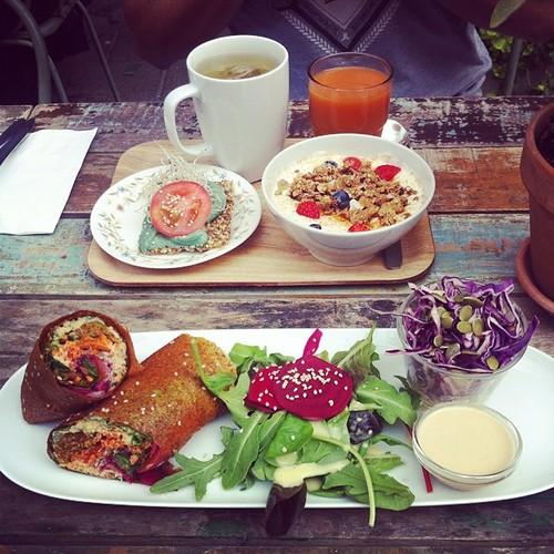 Ska äta oss igenom Malmö, börjar på Raw Food House! #vadveganeräter