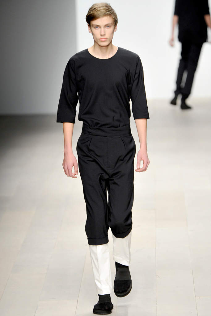 Marc Schulze3000_11_FW12-13 London Central St. Martins_John Gabriel-Harrison(style.com)