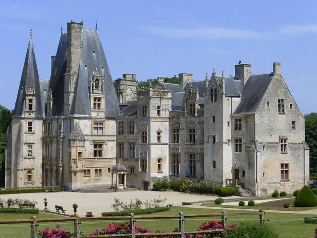 157 Château de Fontaine-Henry