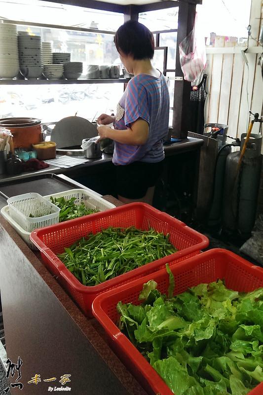 賴家羊肉焿羊肉羹魷魚羹赤肉羹|三峽平價小吃美食|三峽民生街美食