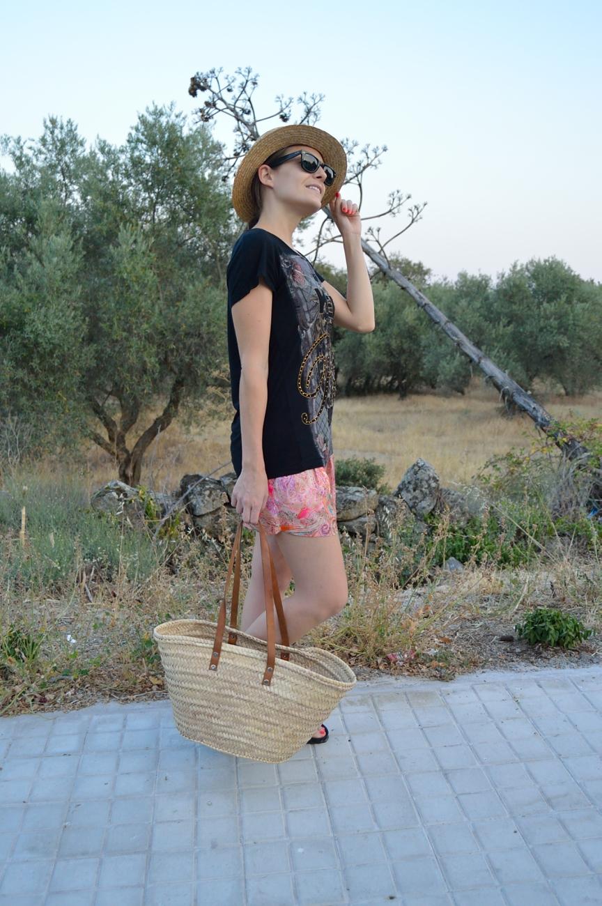 lara-vazquez-mad-lula-fashion-style-look-summer-pink-black