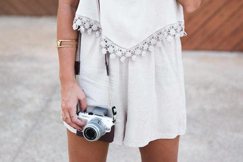 Summer_jumpsuit-Boho_Clutch-Olympus-Outfit-Collage_Vintage-53