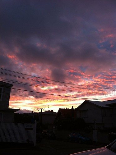 pink blue red orange cloud sunrise grey wellington thorndon