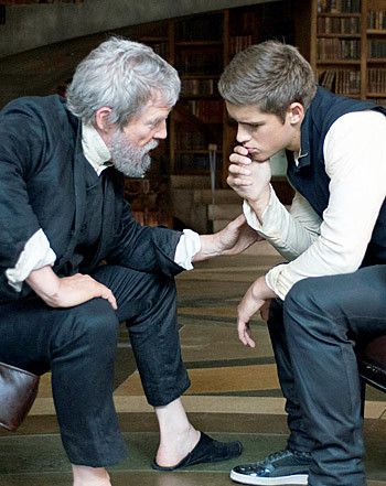 1401983063_the-giver-350