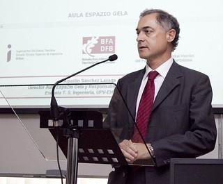 Agustín Sánchez Lavega, director del Aula Espazio de la Escuela Técnica Superior de Ingeniería de Bilbao.
