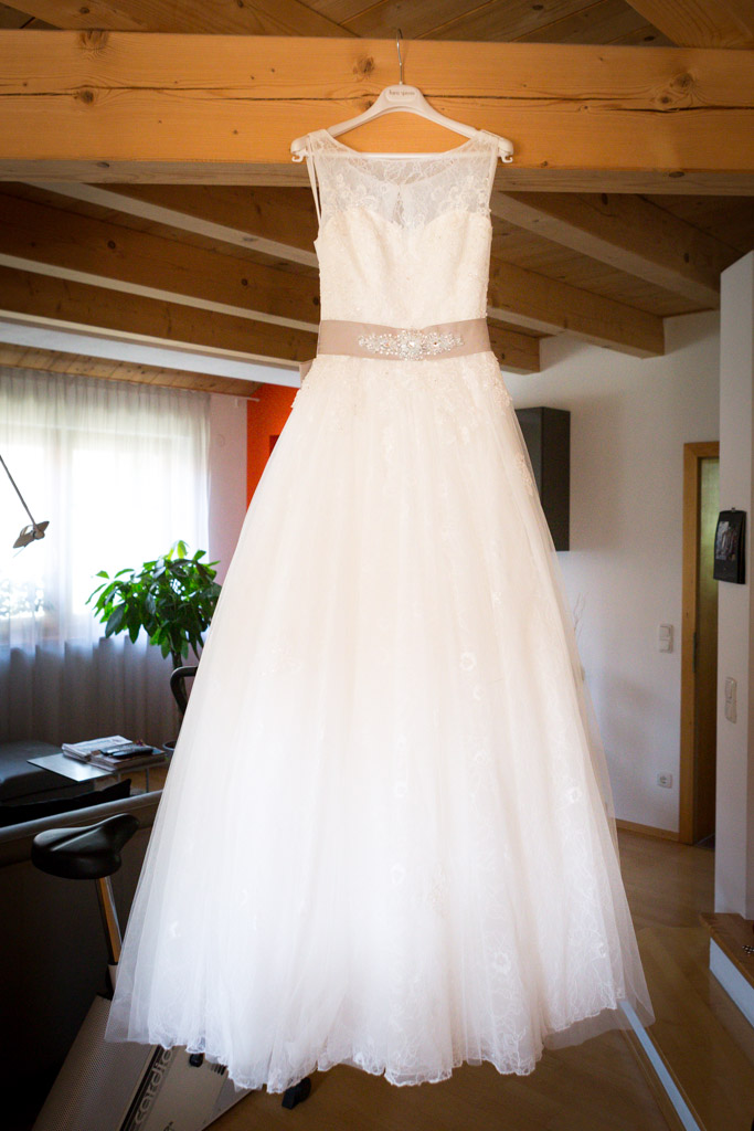 Hochzeit] Die Suche nach dem perfekten Brautkleid. - suechtignach.at