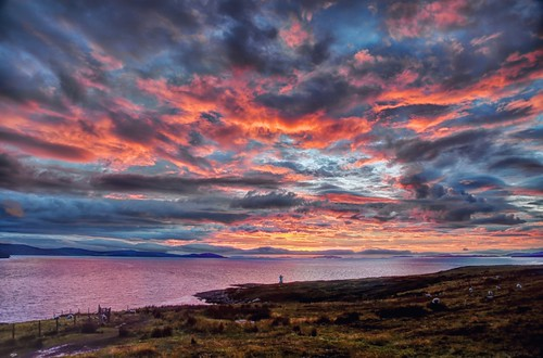 sky lighthouse water colors coast scotland highlands twilight crépuscule hebrides beautifulearth greatphotographers