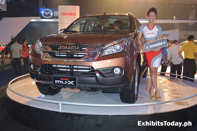 Isuzu Mu-X with car model