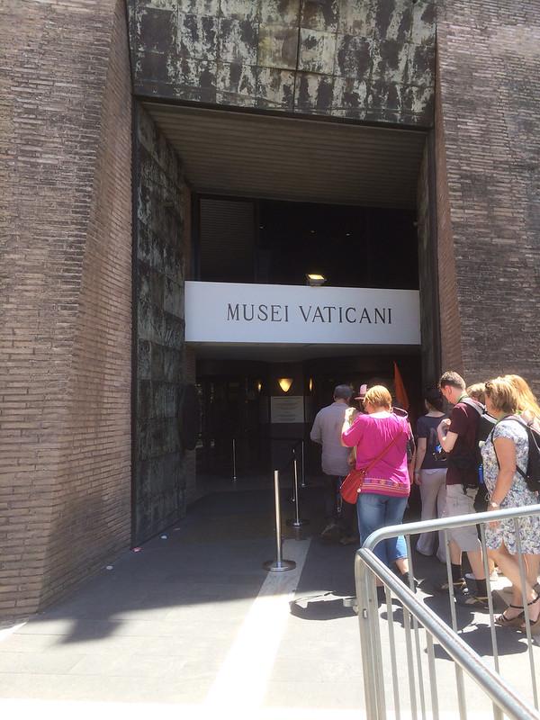 ヴァチカン美術館入口