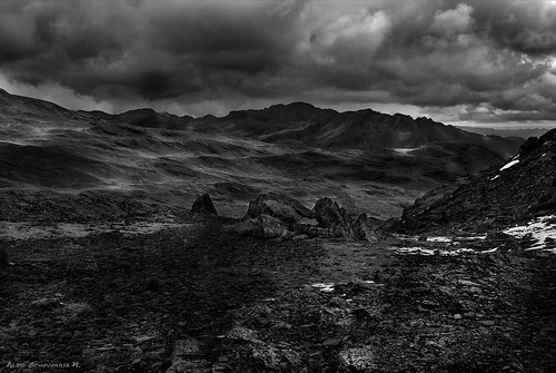 blackandwhite storm mountains monochrome clouds landscape rocks bolivia wb bn fineartphotography cochabamba blacksky tunari canon550d tunarinationalpark