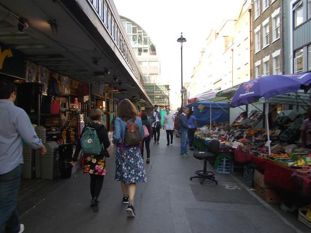LONDON 0972